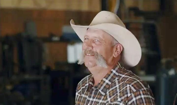 C5 Bale Beds Flat Beds Kansas Become A Dealer Cowboy Image