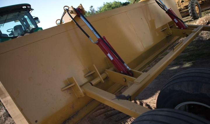 C5 Bale Beds Kansas Brown C5 Manufacturing Dirt Scrapers Listing Image