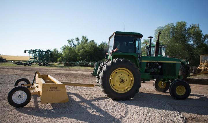 C5 Dirt Scraper Pull Behind Scraper 03